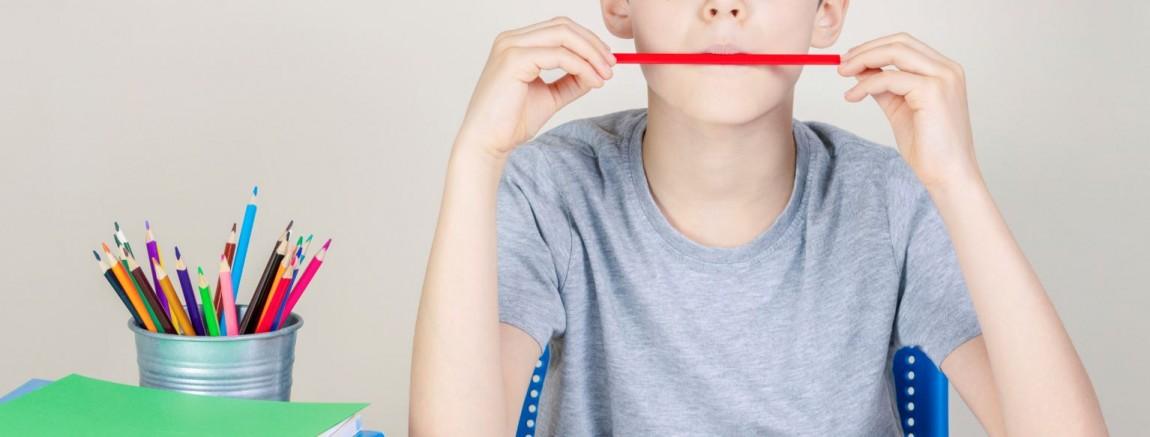 Dreng med blyanter